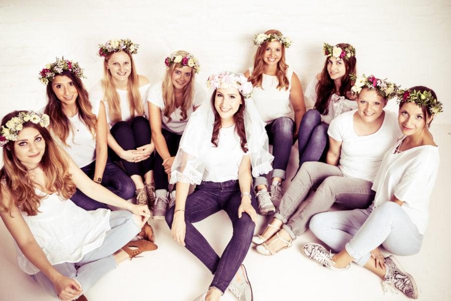 Foto von einer JGA-Gruppe bei einem Junggesellinnen-Fotoshooting beim Beautyshots Fotostudio in Hamburg
